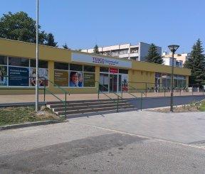 TESCO Expres Brezová pod Bradlom